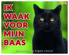 Ik waak voor mijn baas Zwarte kat